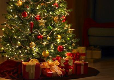 In Italia a Natale scartati regali per 5,6 mld