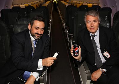 Vueling by Pepsi per ricaricare i dispositivi elettronici in aereo
