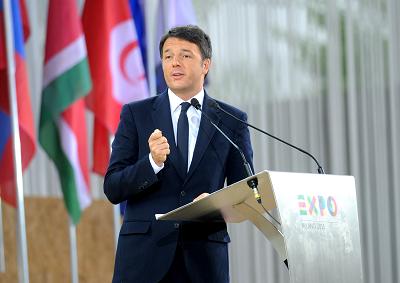 Matteo Renzi e le Frecce Tricolore per inaugurare EXPO Milano 2015