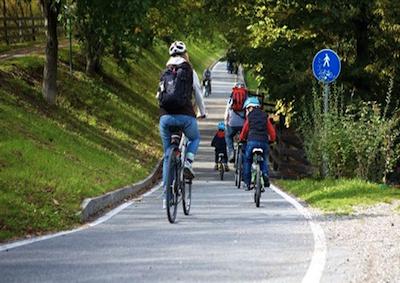 Vacanze: italiani più ecologisti, oltre 2 milioni scelgono bici