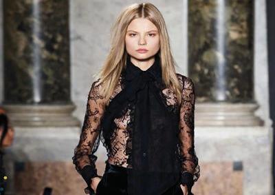 Moda: da Pucci a Valentino, torna in auge camicia con fiocco
