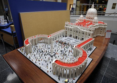 Papa: a Filadelfia Vaticano fatto con Lego