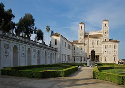 Villa Medici: cordata romana per caffetteria Colbert e cucina