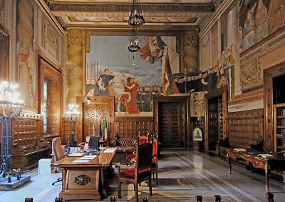Palazzi Potere, manuale turistico istituzionale per italiani
